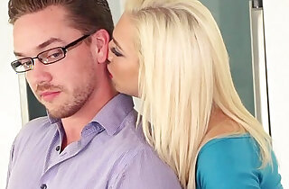 Kyle fuck Tiffany Watsons shaved pussy in the kitchen xxx tube video