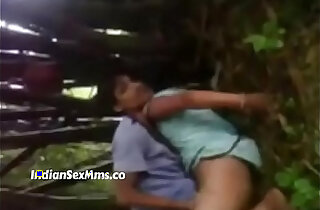 Desi college girl fucked in jungle by older friends new xxx tube video