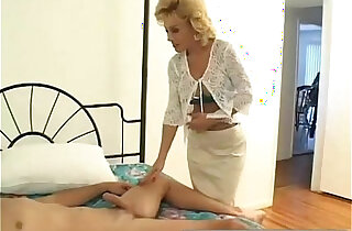 Older Aunty Loves to Suck my Big Cock xxx tube video