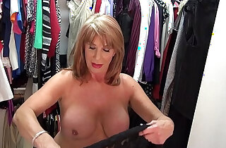 Sexyest mature lady Rae Hart touch pussy in wardrobe xxx tube video