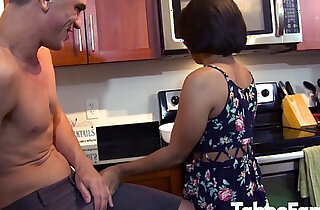 Big Cock Dude Helps Little Stepsis xxx tube video