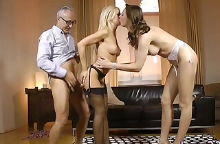 Stockinged UK milf ass fucked standing up in trio xxx tube video