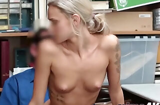 Pretty babe gets banged for shoplifting xxx tube video