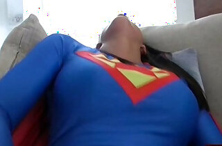 Supergirl Gives A Small Gift xxx tube video