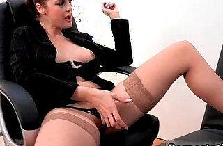 Horny secretary with nice xxx tube video