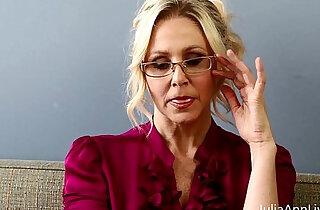 Bad teacher milf julia ann shows you how to get extra credit xxx tube video