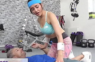 Fitness Rooms Petite sporty British Afghan gets a rough fuck in the gym xxx tube video