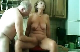 Stolen video of my gorgeous mom having fun with dad xxx tube video