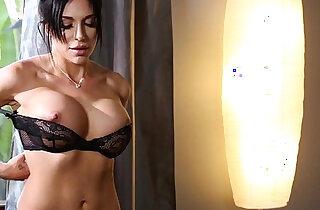 Jaclyn Taylor fucks her sons friend Fantasy Massage xxx tube video