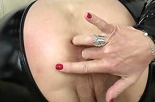 British granny gives her pussy a treat xxx tube video