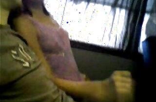Handjob in a public bus xxx tube video