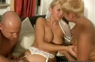 Amateur couple homemade threesome with cheating slut nasty Milfs xxx tube video