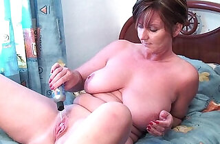 Granny fucks her pussy and asshole with dildos xxx tube video