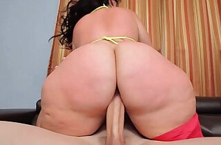 PHAT ASS BBW PLUMPER KNOWS HOW TO RIDE xxx tube video