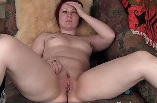 Sexy Redhead MILF Masturbating xxx tube video