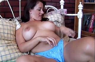 Sexy amateur blonde amateur MILF is feeling horny xxx tube video