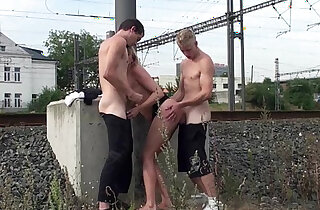 A pretty MILF fucked in PUBLIC by guys with big dicks xxx tube video