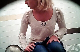 Successful voyeur porn video of the toilet. View from the two cameras. xxx tube video